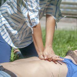 Verletzte nach Unfällen richtig versorgen